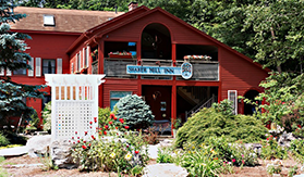 Pet Friendly Hotels In West Stockbridge MA, Pet Friendly Hotels In The Berkshires, Pet Friendly Hotel In The Berkshires, Pet Friendly Lodging Berkshires, Pet Friendly Hotels