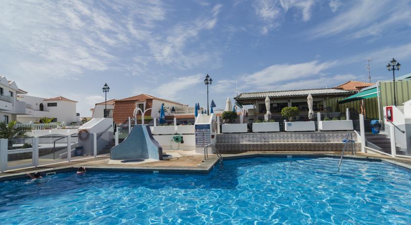 Las Adelfas | Pool