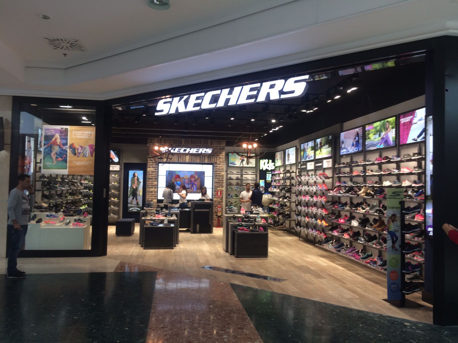 ironía Modernización En otras palabras  Skechers | Proyectos ConForma