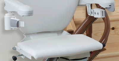 2000 Curved Stair Lift