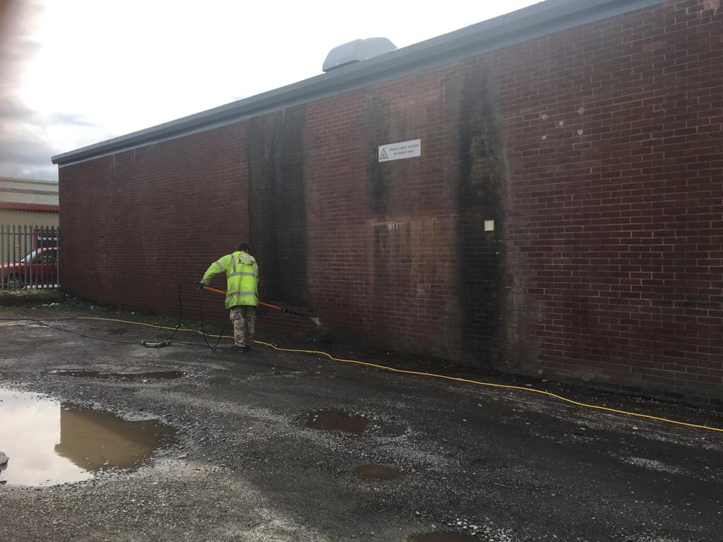 Algae clearing on industrial unit