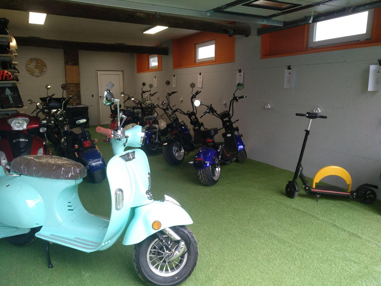 foto showroom hercules e-scooter