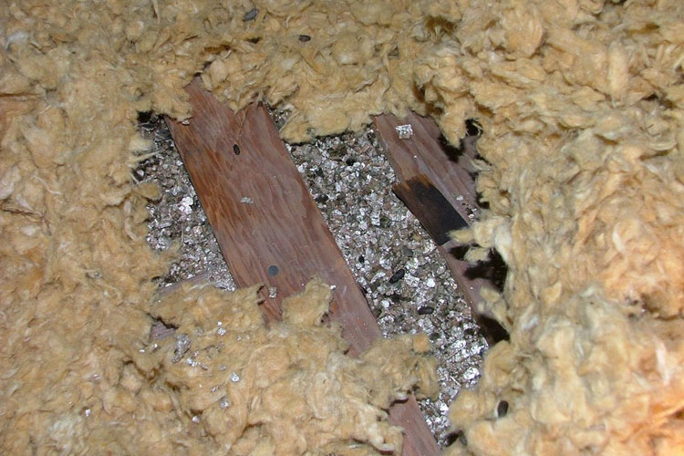 Safe Insulation Removal Fitchburg Massachusetts