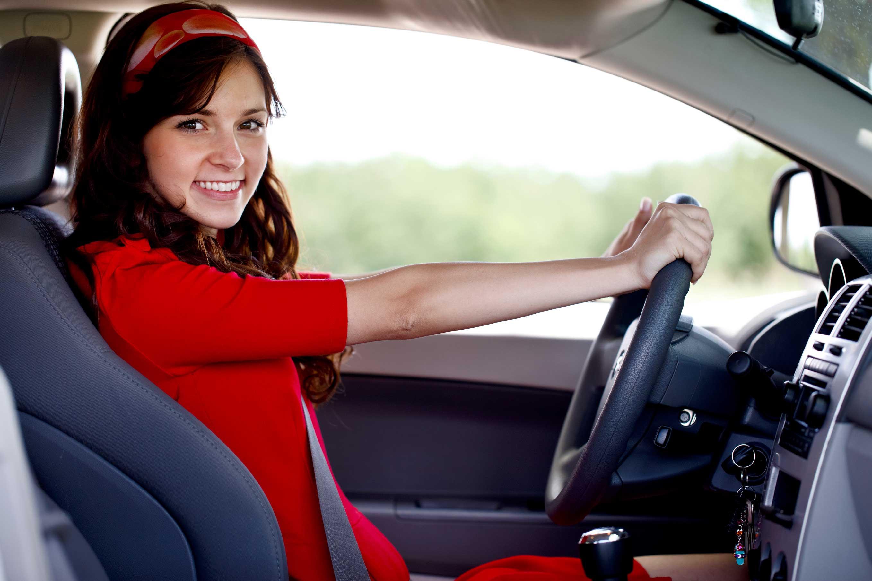 Хозяйка водитель секс, Накаченный водитель трахает свою хозяйку в машине 19 фотография