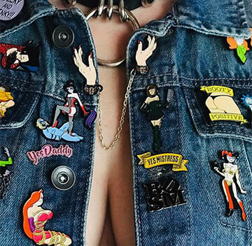 Denim jacket with classic, retro badge pins