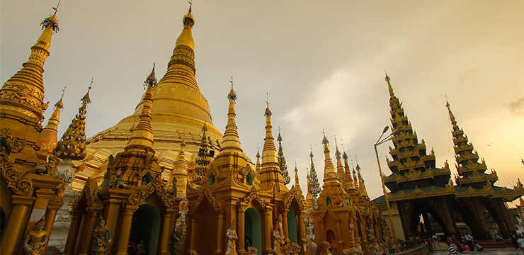 Visiting the Shwedagon Pagoda : More than Just History
