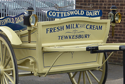 Cotteswold Dairy Cream Wagon