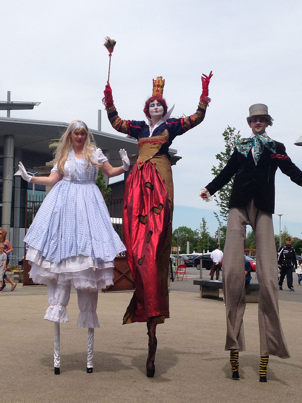 Alice in Wonderland - Stilt Walkers