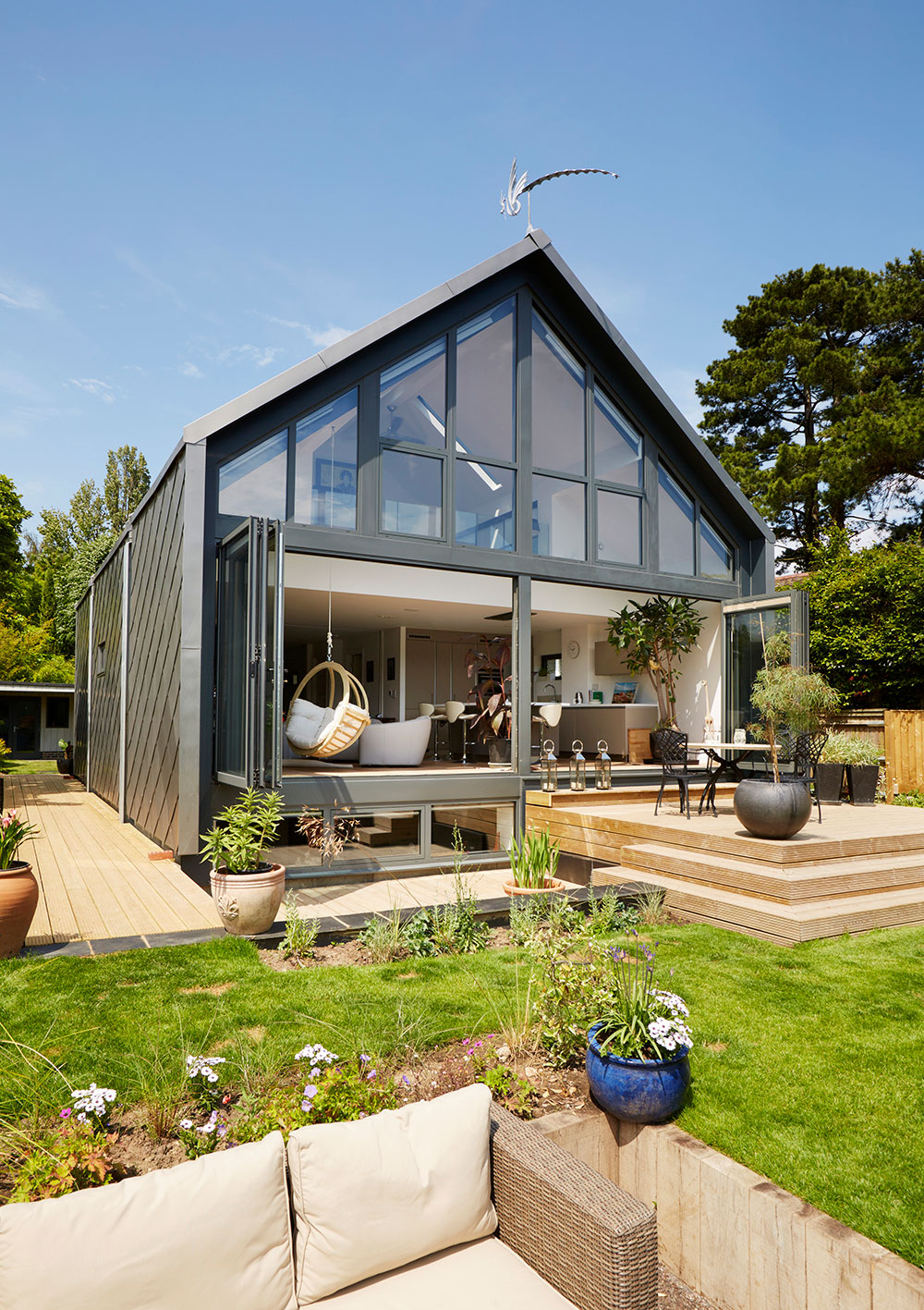 Amphibious House, garden view